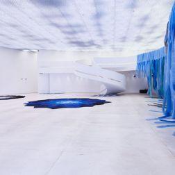 Vista da exposição Cativa [A natureza da natureza], Galeria Janete Costa, 2018. Fotografia: Flávio Lamenha.
